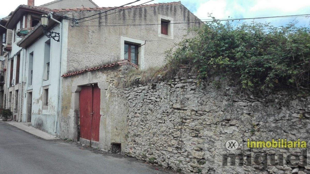(V2036) Se vende gran propiedad con terreno para rehabilitar en Colombres, Ribadedeva