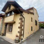 Se vende casa con amplia terraza y terreno en Merodio