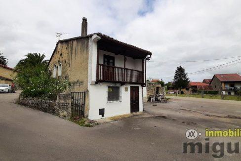 Se vende casa y cuadra en Cabanzon