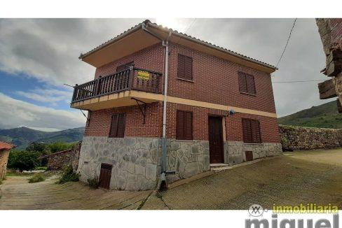 Se vende casa en Cires