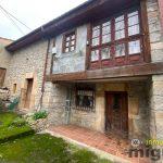Se vende casa de pueblo con cuadra aneja en Suarias