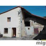 Se vende caserío con gran extensión de terreno en  Herrerias