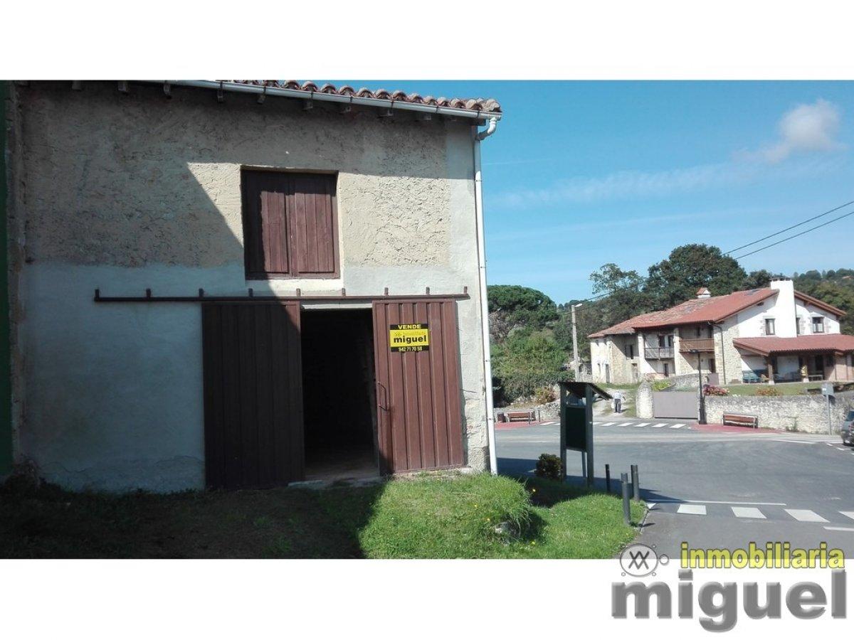 (V2039) Se vende cuadra de piedra en el centro de Prio, Val de San Vicente