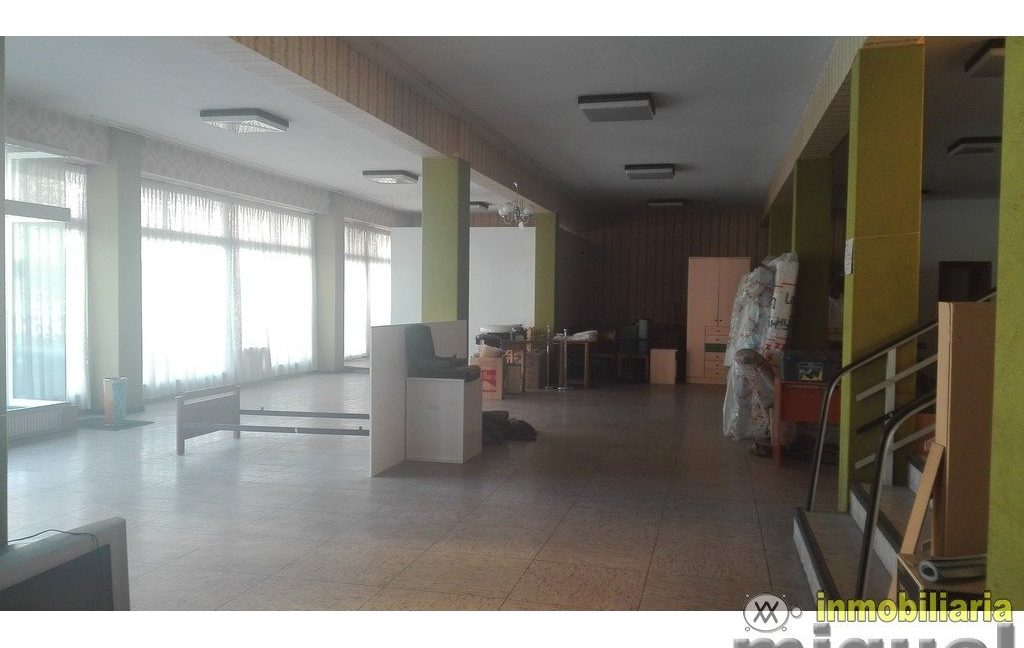 Vender-Local-comercial-en-Unquera-CANTABRIA-V2123-4