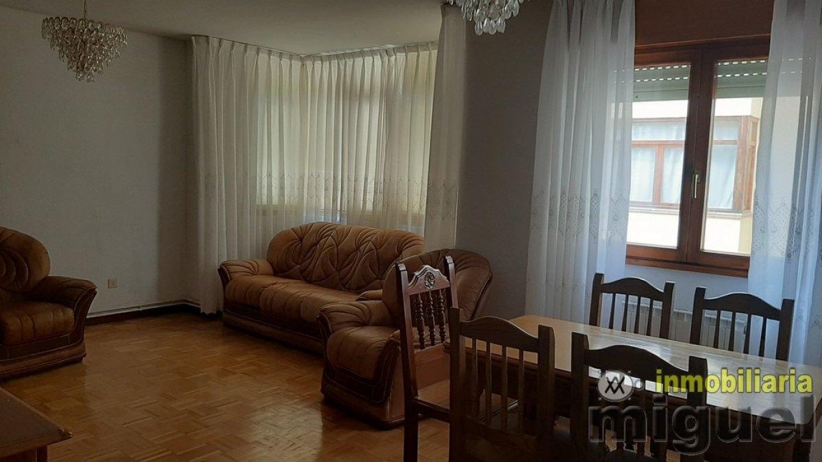 (V2019) Se vende piso en Colombres, Ribadedeva  de tres dormitorios