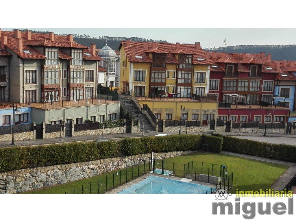 (V2109) Se vende piso de dos dormitorios, urbanización con piscina, en Colombres, Ribadedeva