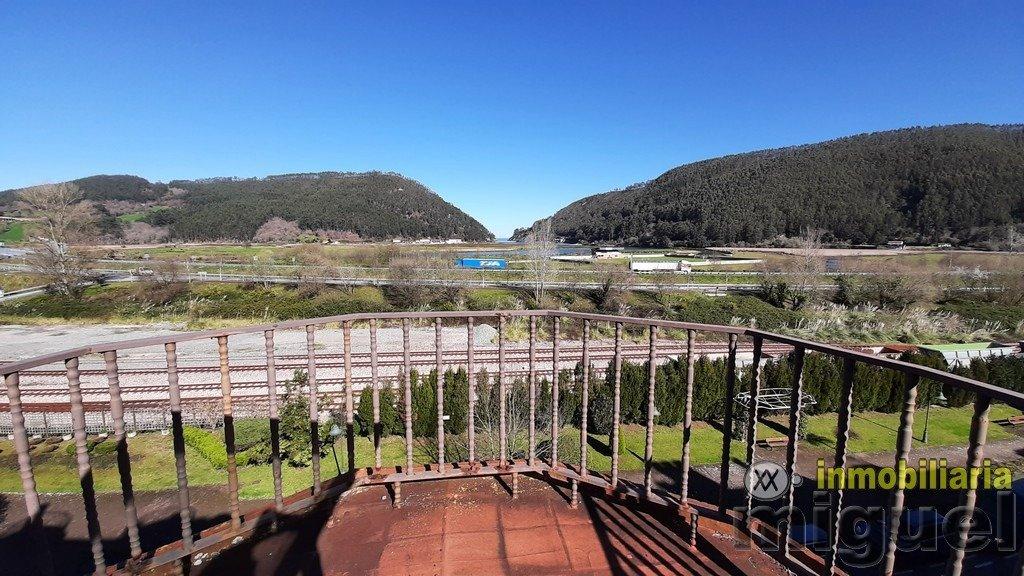 Se vende apartamento con terraza en Unquera